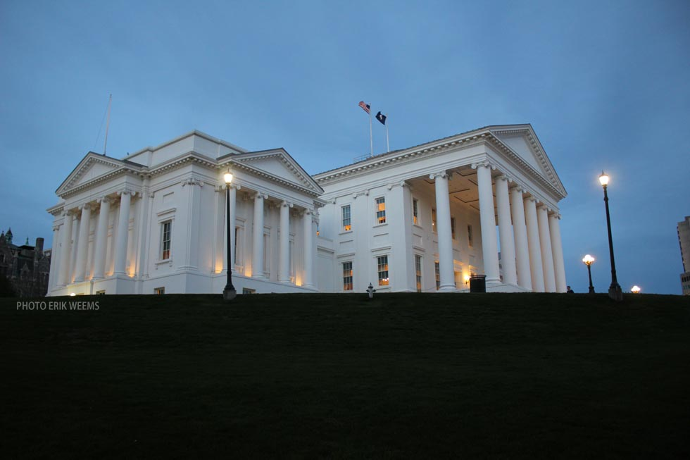 Virginia State Capitol at night