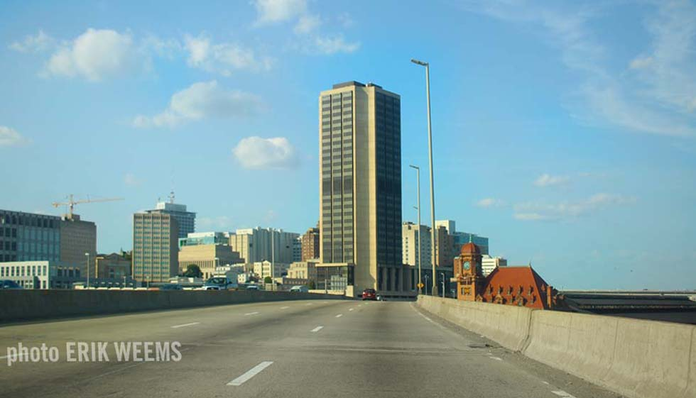 I95 into Richmond with main street train station and the Monroe building